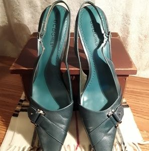 BCBGirls Pointed Toe Shoes. Womens Size 9M